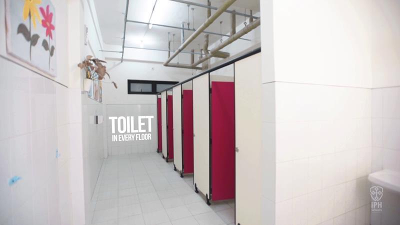 Toilet East